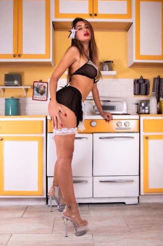Mia V - Kitchen