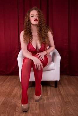 Jeska - Lady in Red Set (Sample Set)