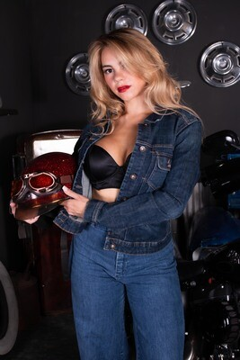 Larissa - HD Bike & Denim Set (Sample Set)
