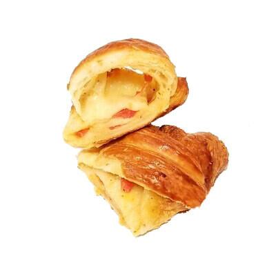 Tomato Mozzarella croissant