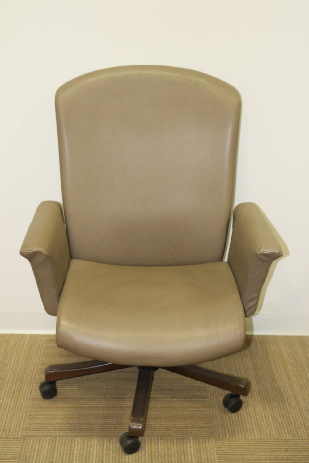 Journey Task Chair