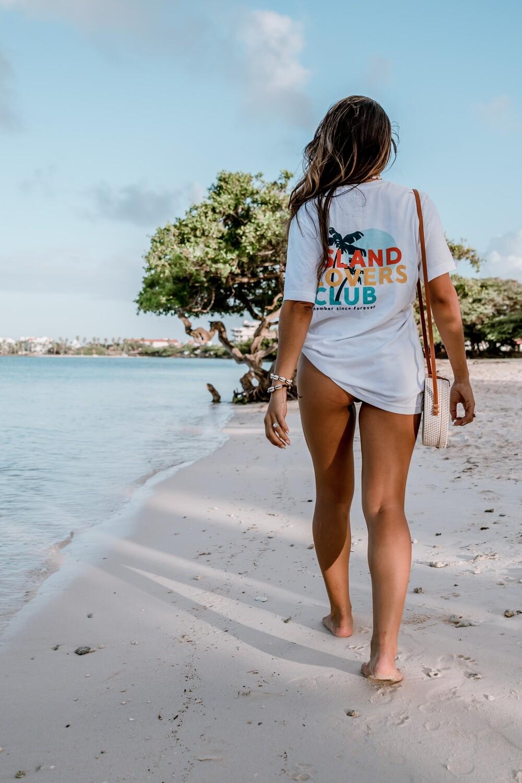 Island Lovers Club Unisex T-Shirt