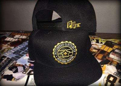 Badge Snapback Cap