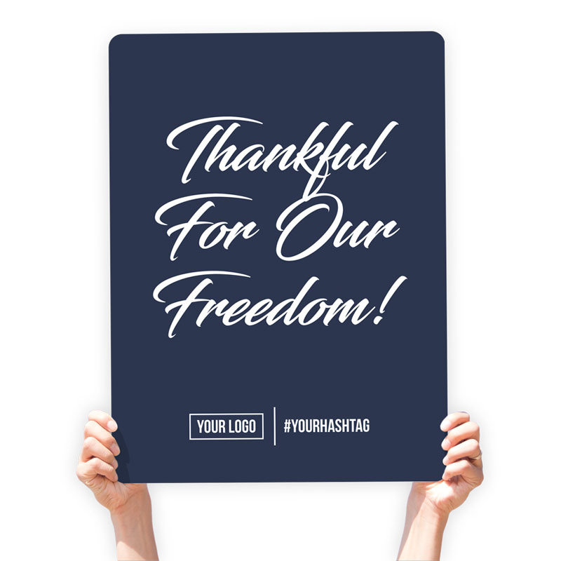"4th of July Greeting Sign - ""Thankful for Our Freedom"" (Navy Blue)"