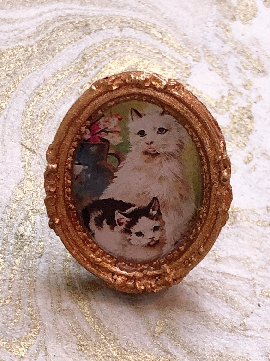 frame ring (cat and kitten)
