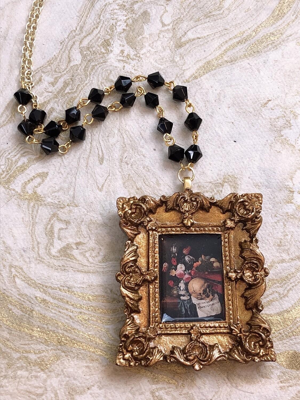 frame necklace (gold vanitas)