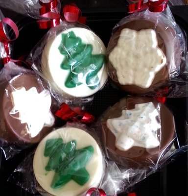 Christmas Chocolate Covered Oreos - Half Dozen (6)