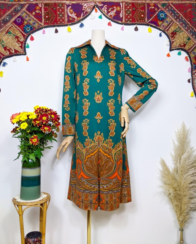 VINTAGE GREEN DAGGER COLLAR PAISLEY DRESS