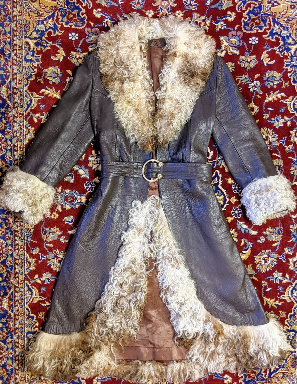 VINTAGE 70S BROWN LEATHER COAT WITH MONGOLIAN TRIM