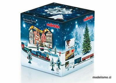 Märklin Z 81845 Caja de iniciación navideña. Tren de mercancías con circuito ovalado de vías y la correspondiente fuente de alimentación eléctrica