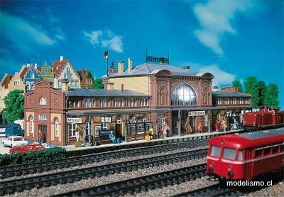 Faller 110115 Estación de tren de Mittelstadt