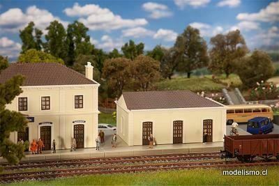 Faller 190621 Dependencia del ferrocarril Collenibbio