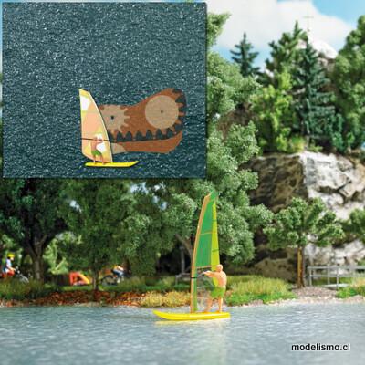 Busch H0 5486 Lago con surfista