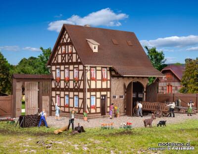 Reserva anticipada Vollmer 43731 Casa de campo H0 con granero y puerta de patio