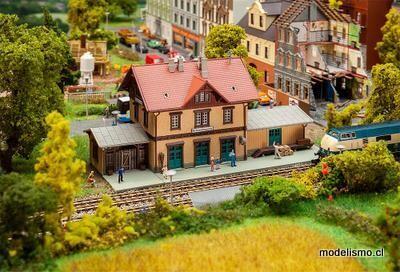 Reserva anticipada Faller 212122 N Estación de Ochsenhausen