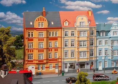 Reserva anticipada Faller 191758 H0 2 casas de socorro de la ciudad, 4 pisos