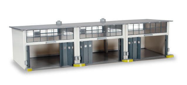 Herpa 745802 Conjunto de construcción Instalación de reparación de 3 puestos, longitud 335 mm x ancho 150 mm x altura 85 mm