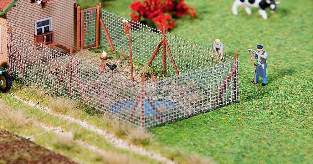 Faller 180414 Cerca de malla de alambre con postes de madera, 340 mm