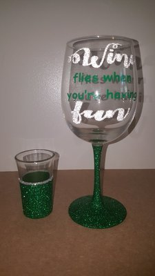 """""""Wine Flies When You're Having Fun"""" Set"""