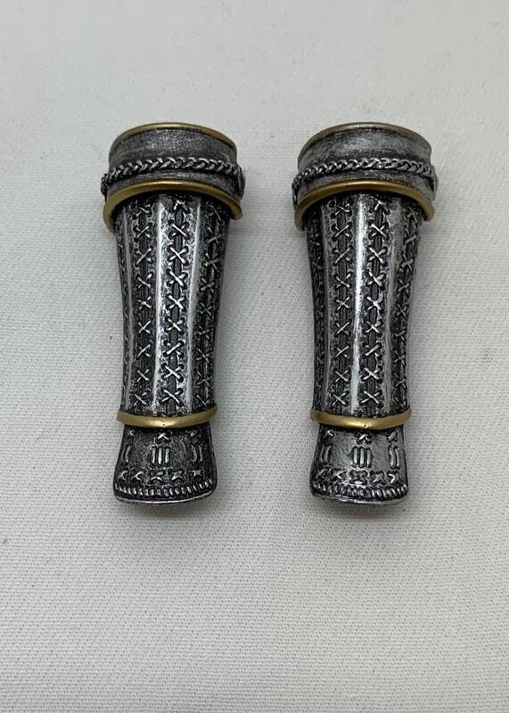 Loose Part- Arm/Wrist Armored Gauntlets (Killer Kiyoha)