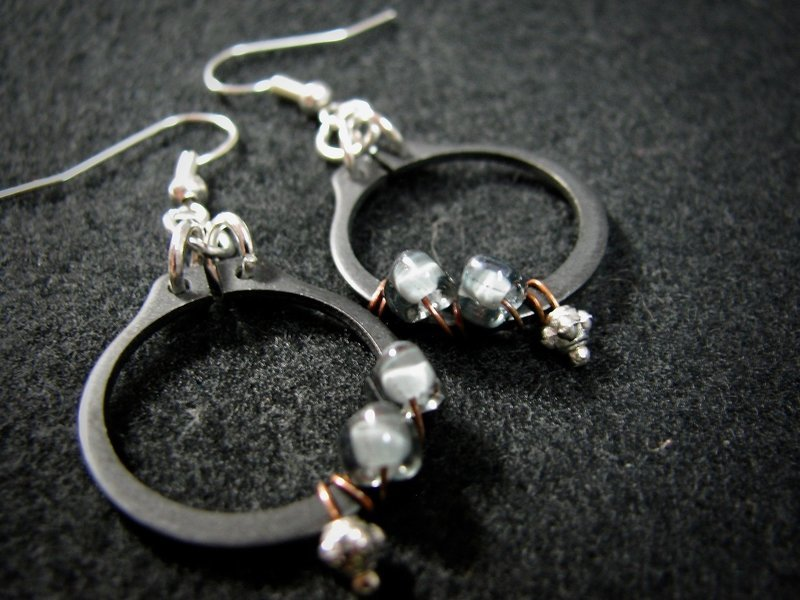 Wrapped Black O Clamp Earrings