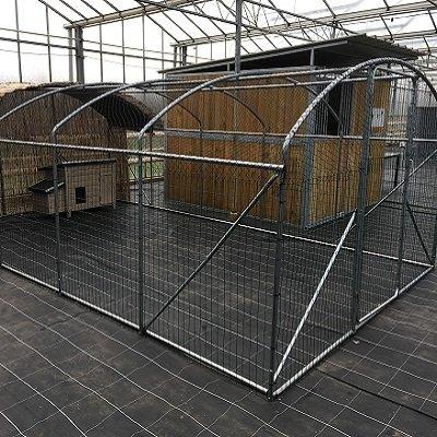 Kader / frame   6 x 3.5 x 2 m met DRAAD EN NET