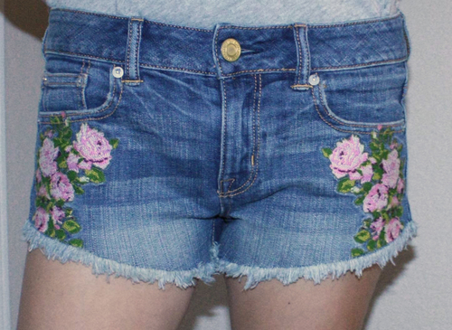 American Eagle Women's FESTIVAL SHORTIE Floral Stitching Shorts (Several sizes)