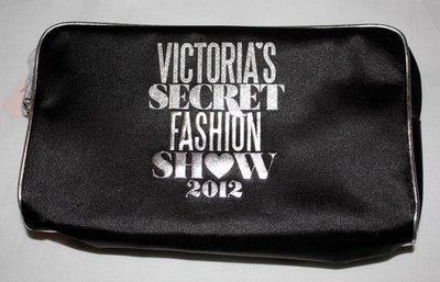 Victoria's Secret FASHION SHOW 2012 Makeup Brushes & Cosmetic Bag