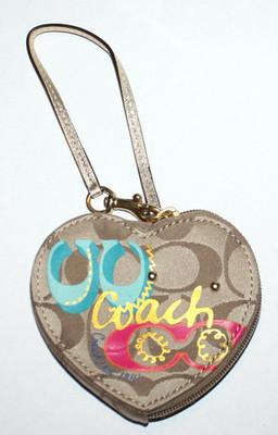 Coach Khaki Daisy Poppy Applique Novelty Heart Shaped Coin Purse #F62066
