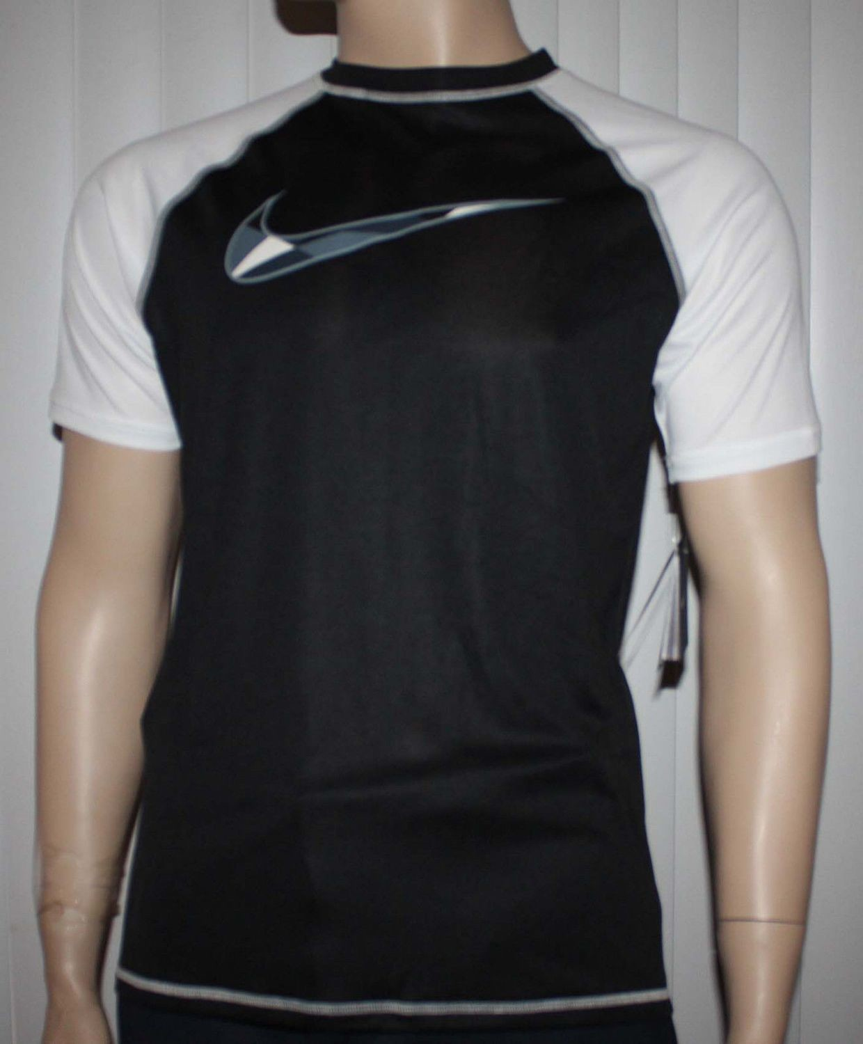 Nike Men's Dri-Fit Black/White Checked Swoosh UPF 40 + Shirt (Large)