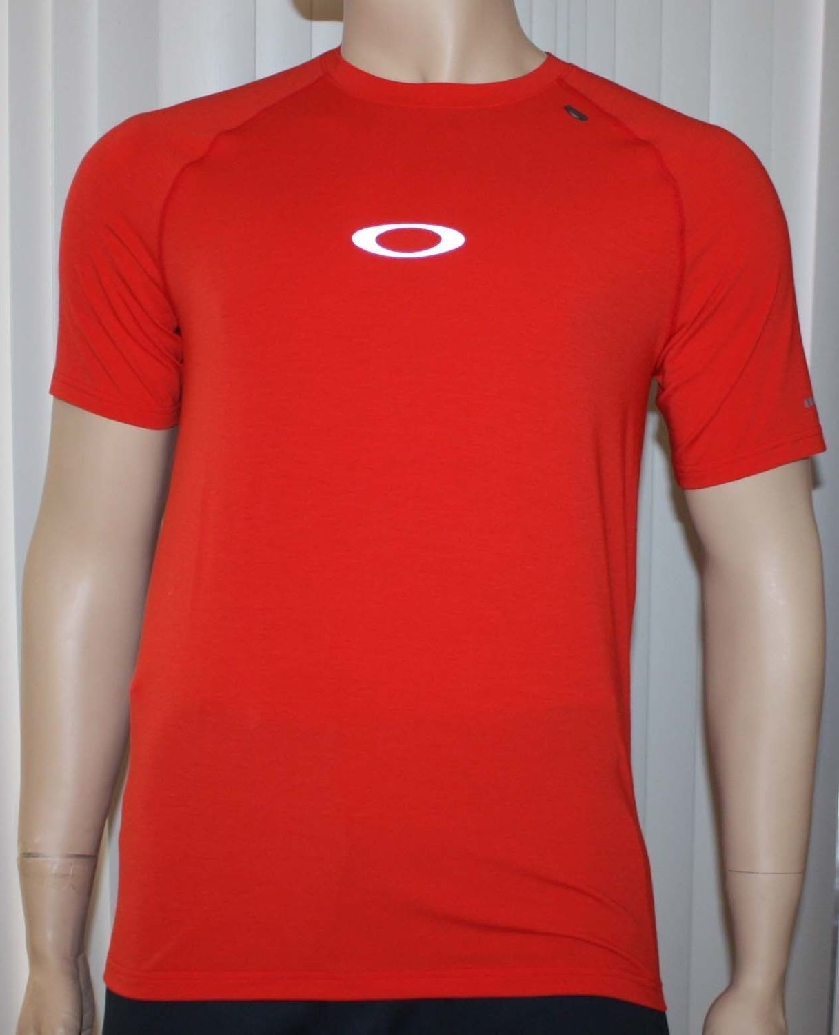 Oakley STRIDE TEE Men's O Hydrolix Red Line T-Shirt (Small)