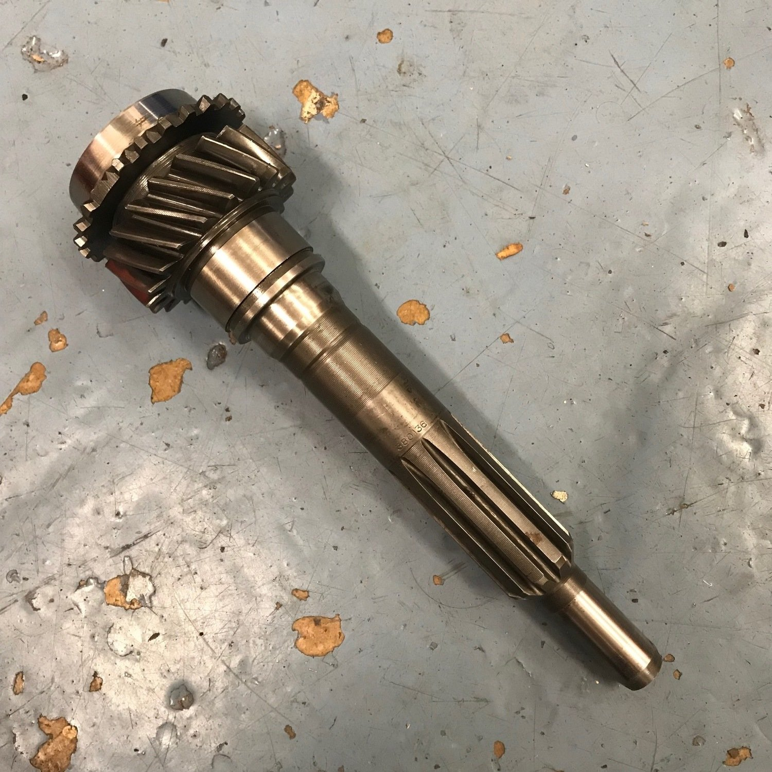 Volvo M40 1st motion shaft 19 tooth (used) 380136