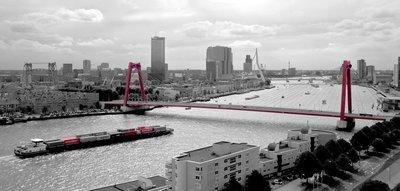 Skyline Rotterdam - serie Black & Red - formaat 100 x 50 cm