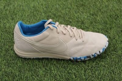 The Nike Premier 2 Sala