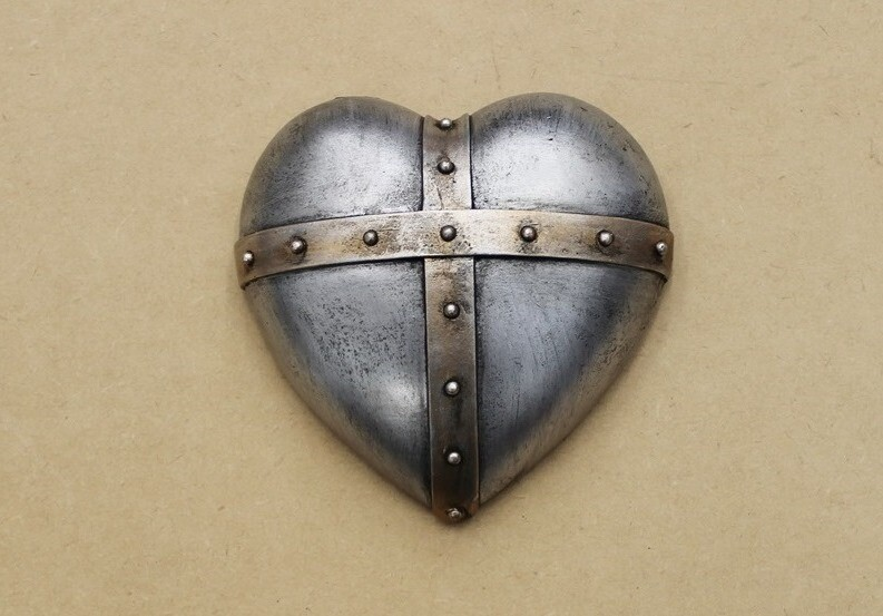 Stud Detail Hanging Wall Heart