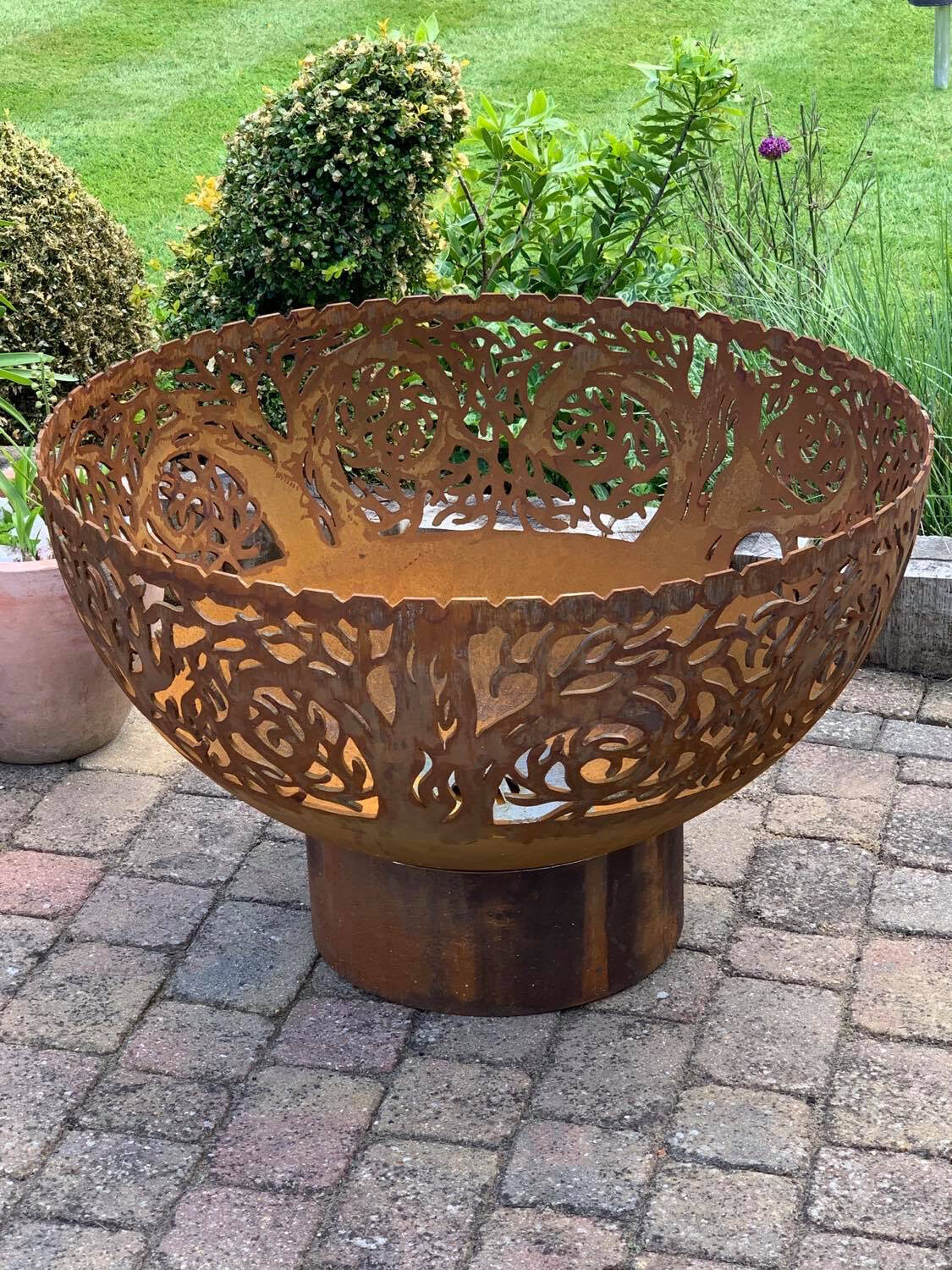 800mm Twisted Tree Firepit Bowl