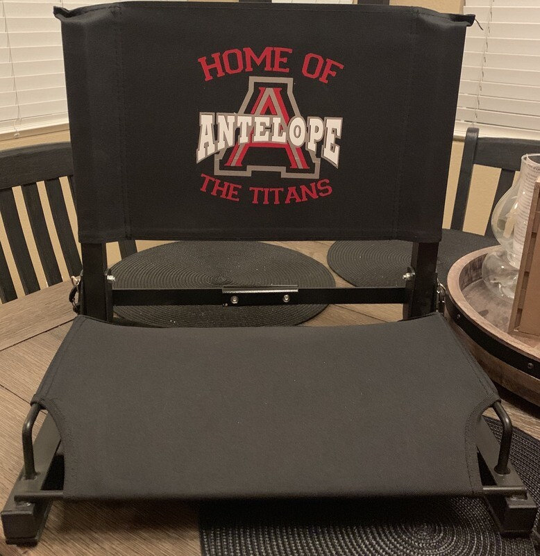 Stadium Titans chair Black or Red