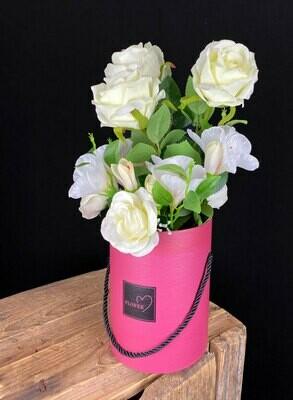 Ruusut purkissa, tekoasetelma
