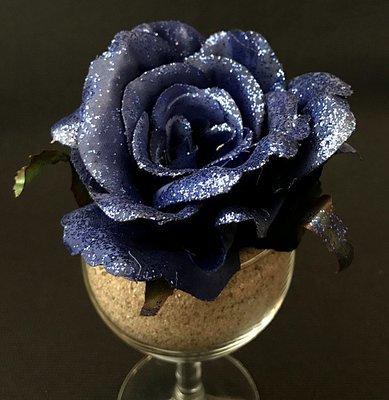 Kimalleruusu-kukkapää, sininen