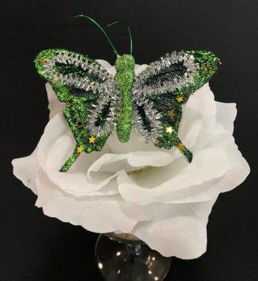 Kimalleperhonen metalliklipsillä, vihreä