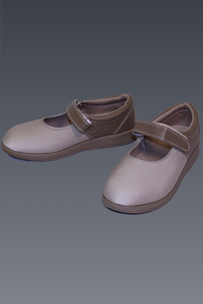 Opedic Adjustable Mary Jane (Beige)