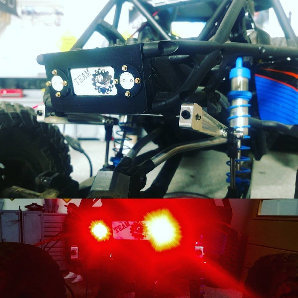 Axial™ Bomber™ Rear taillight setup