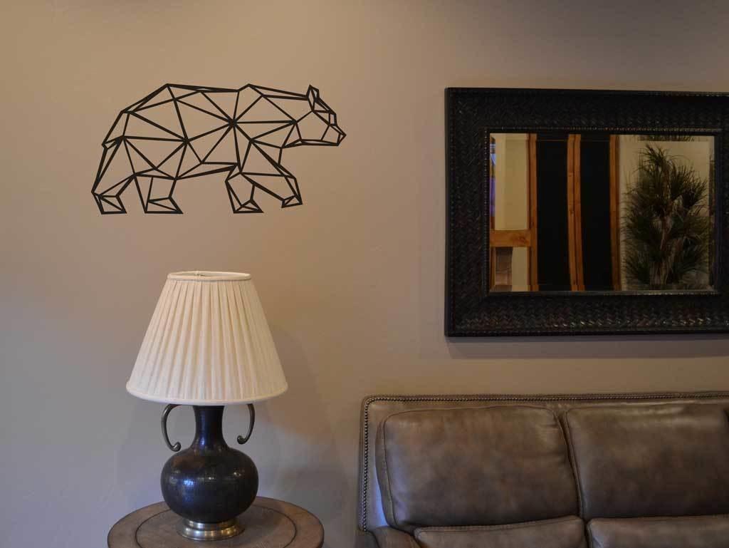 Bear geometric LM009