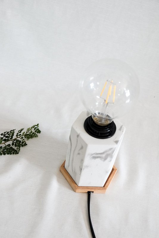 Vormen Lamp 2.0 x Adiaidreka Woodbase