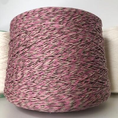 Ninetyfive Filpucci 95% кашемир 5 % меринос  280м/100гр. col.583 5 нитей:  2 розовых, 2 бежевых, 1 коричневая
