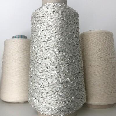 Lustrosa 100% хлопок, пайетки 3мм, муранский бисер серебряного цвета, длина нити около: 200м/100гр