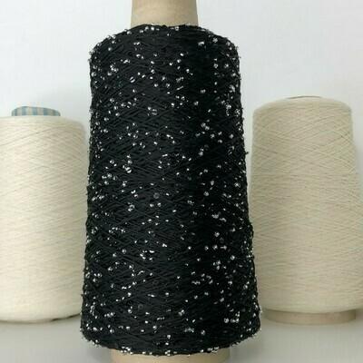 Lustrosa 100% хлопок, пайетки 3мм, Муранский бисер серебро и черные пайетки,  ниточка чёрная; длина нити около: 200м/100гр