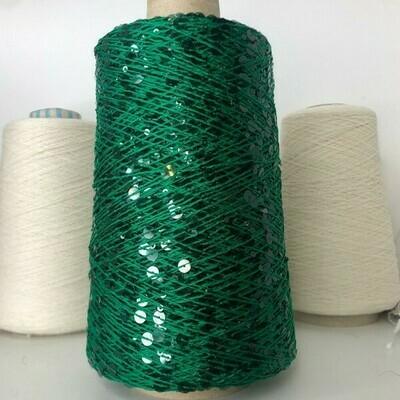 Lustrosa крупные 6 mm и мелкие 3 mm пайетки на хлопке, днина нити: около 200м/100гр, цвет: ярко-зеленая нить, прозрачные темно-зеленые пайетки