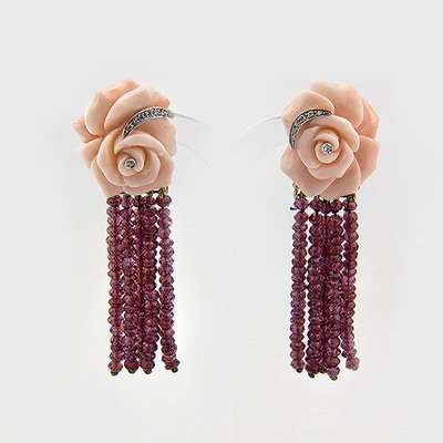 Rhodolite,coral and diamond earrings in 18k yellow gold