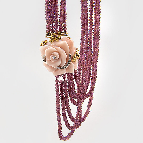 Coral, rhodolite and diamond necklace in 18k yellow gold